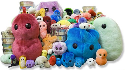 GIANTmicrobes(R) Smooch sound doll