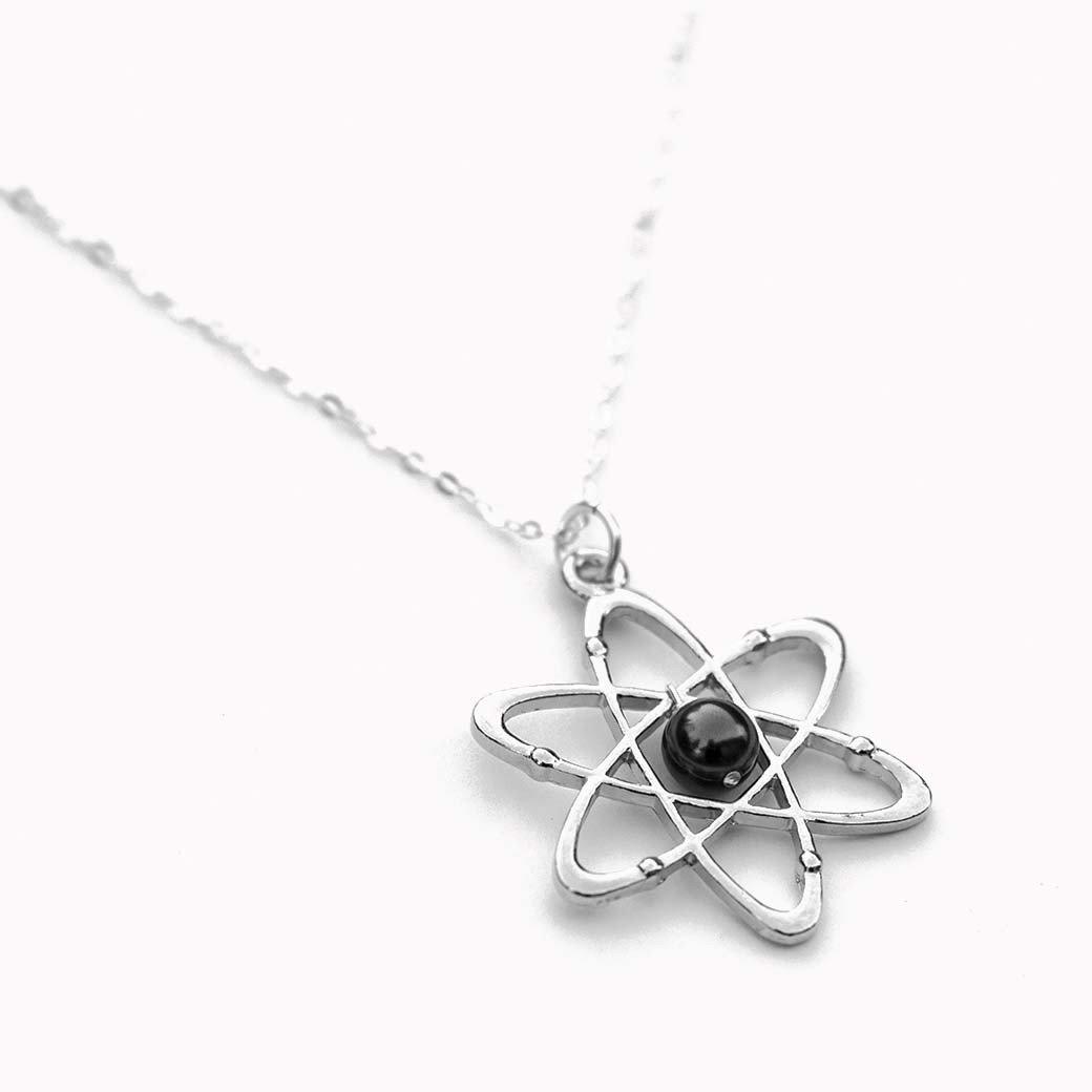 Atom necklace