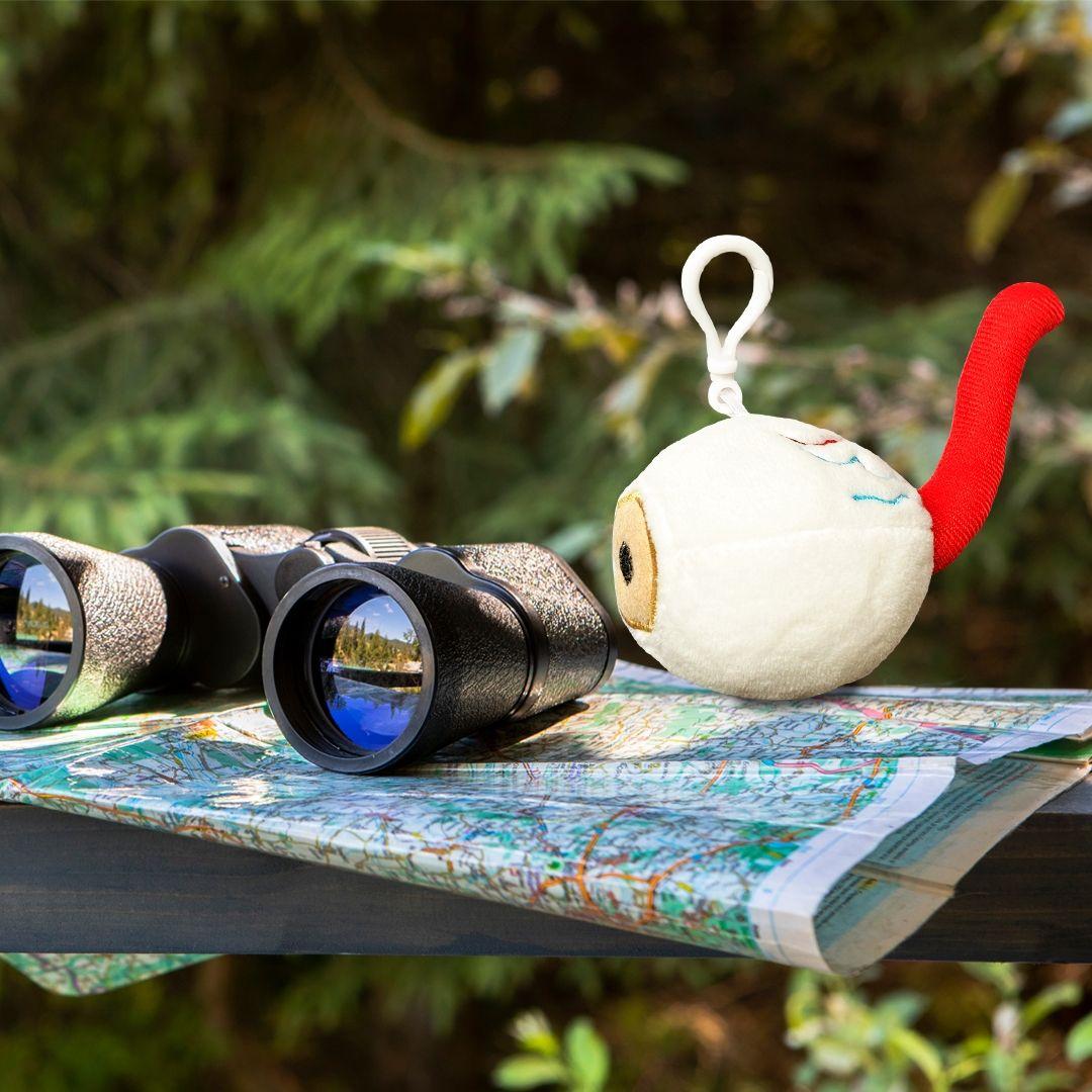 Eye plush using binoculars
